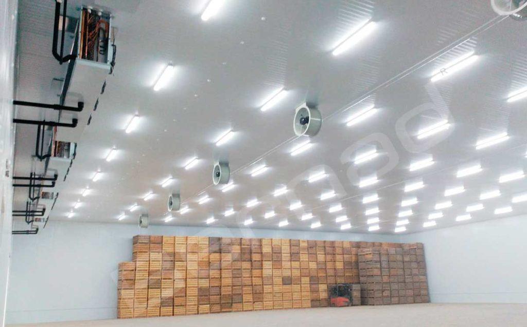 Las cortinas de aire para cámaras frigoríficas son muy usadas en todas las industrias