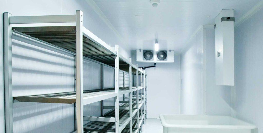 ¿Cuándo es obligatoria la instalación de zonas acristaladas en cámaras frigorificas?